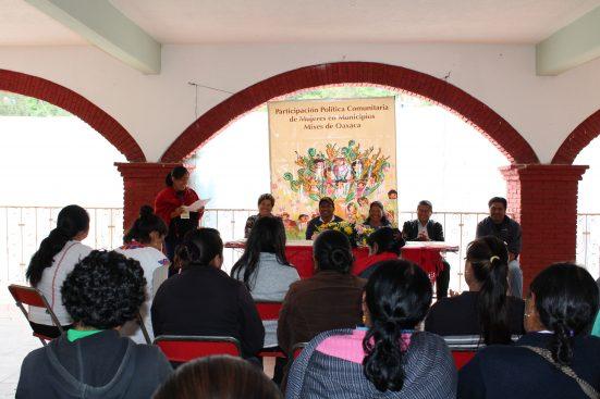 """Realizan el seminario """"Participación Política Comunitaria con las Mujeres Mixes en el Sistema Normativo Interno"""""""