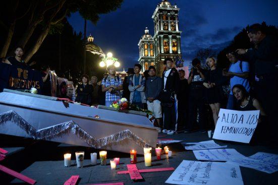 Cientos de Poblanos se manifiestan ante la ola de feminicidios. La manifestación fue encabezada por familiares y amigos de víctimas.