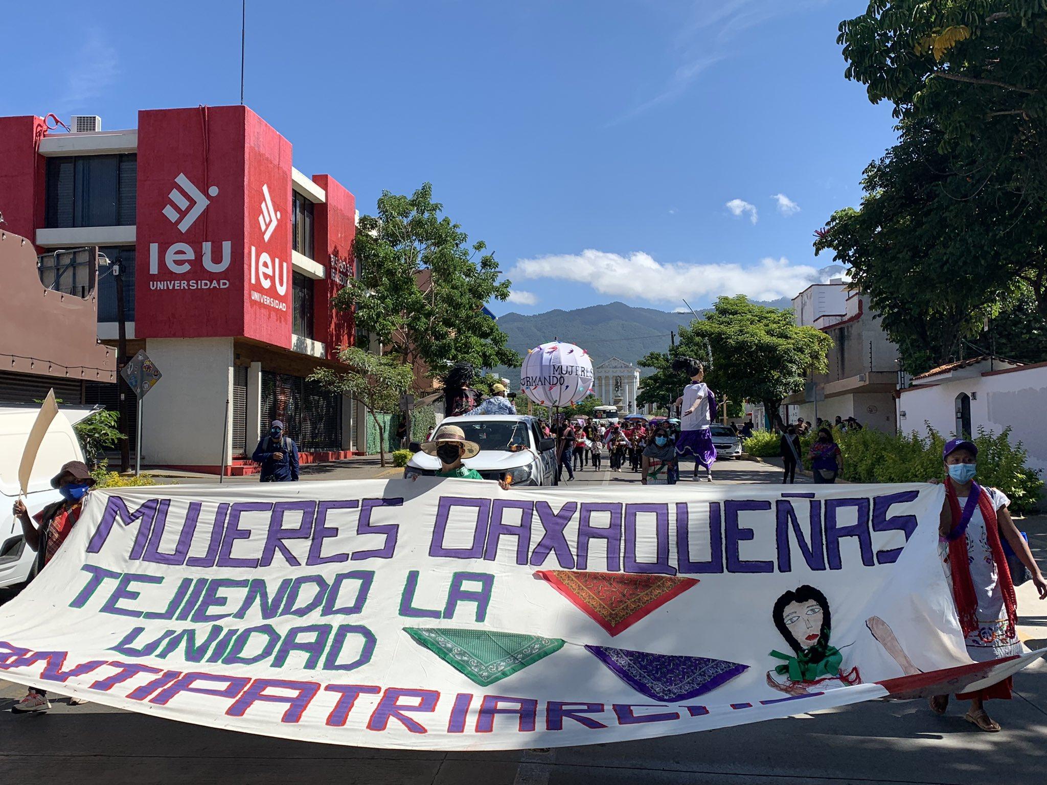 MANIFIESTO DE MUJERES OAXAQUEÑAS